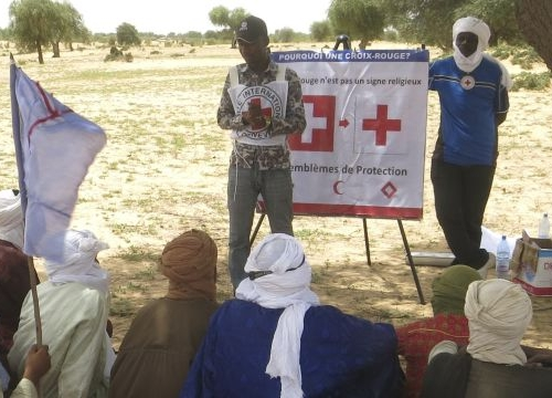 Mali,  Gao region, Ansongo cercle, Fafa. ICRC dissemination session about international humanitarian law for the army of Mali.