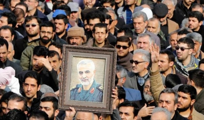Thousands of Iranians take to the streets to mourn the death of Iranian Revolutionary Guards Corps (IRGC) Lieutenant general and commander of the Quds Force Qasem Soleimani during an anti-US demonstration to condemn the killing of Soleimani, after Friday